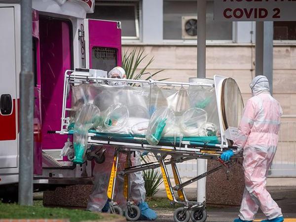 Fransada son bir gündə daha 499 nəfər koronavirusdan ölüb