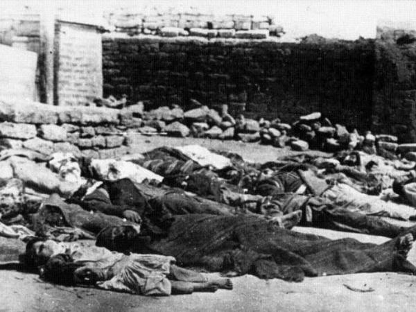 31 Mart soyqırımında müsəlmanların meyitlərinin erməni ziyalıları və kilsə xadimləri tərəfindən yandırıldığını təsdiq edən sənədlər var