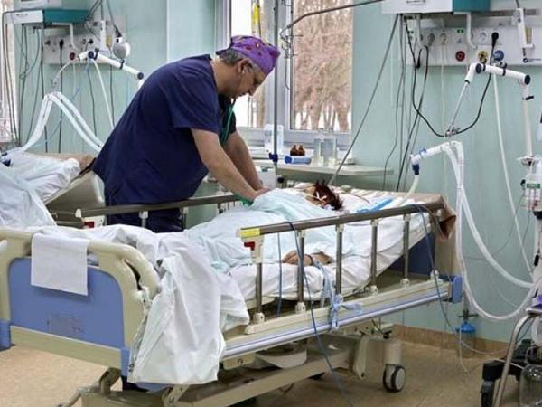12 yaşlı qız koronavirusdan öldü