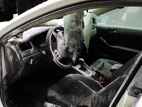 Karantin zamanı insanlara kömək edən qadının avtomobilini yararsız hala saldılar
