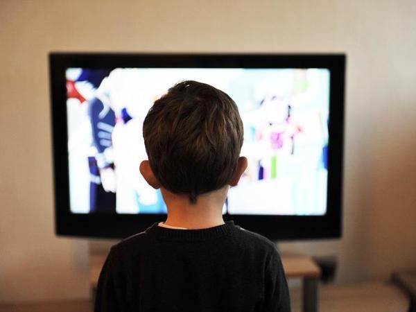 Uşaq verilişləri zaman energetik içkilərin reklamı qadağan edilir
