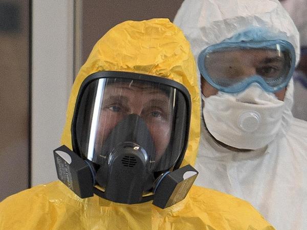 Putin özünü koronavirusdan qorumağa çalışır