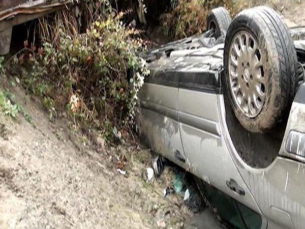 Xaçmazda avtomobili aşıran sürücü hadisə yerində öldü