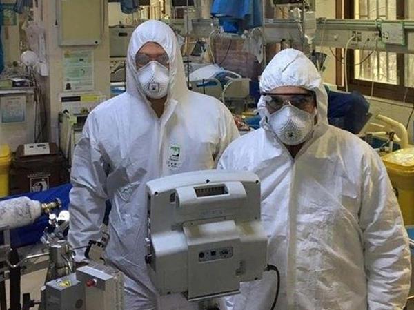 İranda 300 tibb işçisi koronavirusa yoluxub
