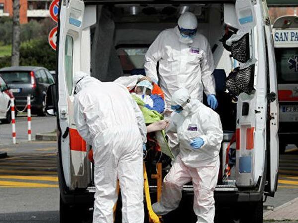 İtaliyada son sutkada koronavirusdan 525 nəfər ölüb