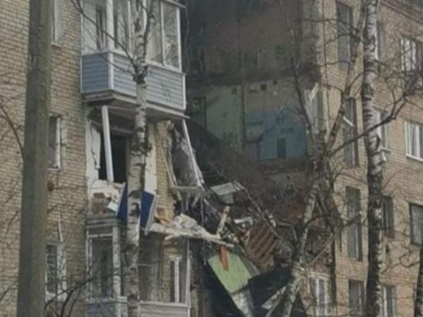 """Moskvada yaşayış binası partlayıb: <span class=""""color_red"""">2 nəfər ölüb, 6 nəfər yaralanıb</span>"""