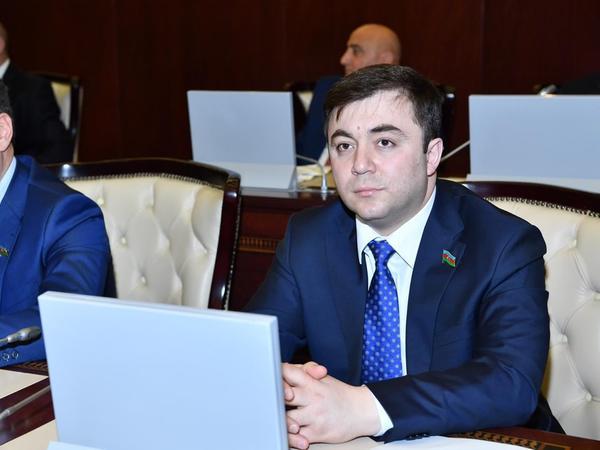 """Emin Hacıyev: """"Həyatda qalmaq üçün evdə qal"""""""