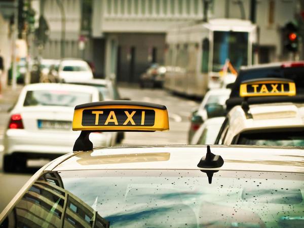 Hərəkət məhdudiyyətindən sonra taksi fəaliyyəti ilə bağlı 188 nəfər qeydiyyatdan keçib