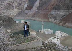 Gölün suyu çəkildi - Ortaya çıxan mənzərə görənləri heyrətə saldı - FOTO