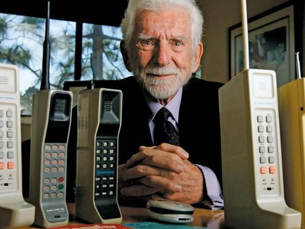 Tarixin ilk mobil telefonu