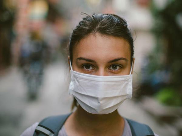 Fransa Çindən 2 milyarddan çox maska sifariş edib