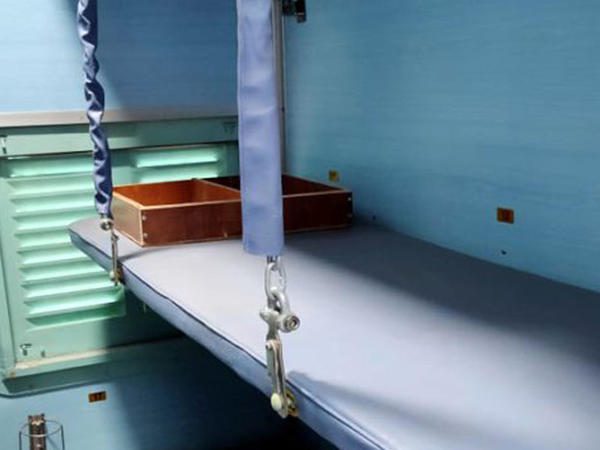 Hindistanda qatar vaqonları xəstəxanaya ÇEVRİLDİ - FOTO