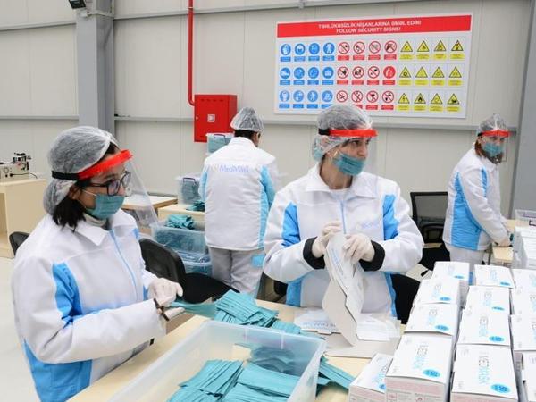 Azərbaycan istehsalı olan maskaların satışa çıxarılacağı vaxt açıqlandı