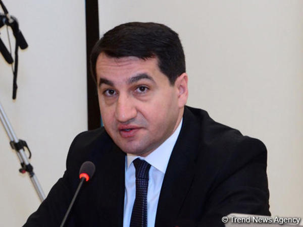 Hikmət Hacıyev: Bütün dünya koronavirusdan əziyyət çəkdiyi halda Ermənistan öz çirkin siyasi oyunlarına davam edir