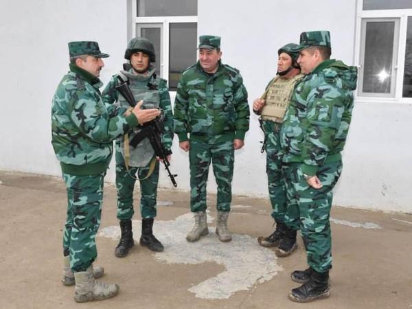 Elçin Quliyev əlahiddə sərhəd diviziyasının xidməti-döyüş fəaliyyətini yoxlayıb - FOTO