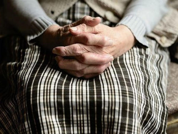 Gəncədə 78 yaşlı qadın intihar etdi