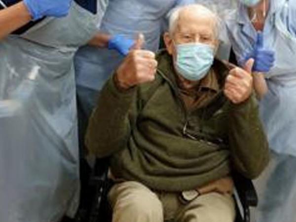 """Daha bir yaşlı kişi koronavirusdan sağaldı - <span class=""""color_red"""">102 yaşı var</span>"""