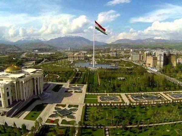 Tacikistan sərhədləri bağladı