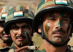 Hindistanda terrorçular 5 əsgər öldürüb