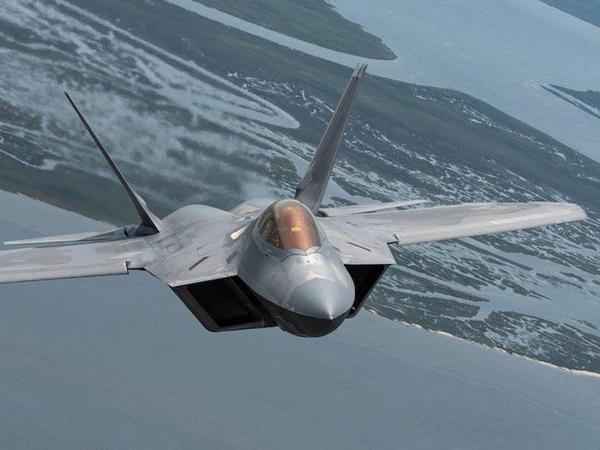 F-22 Raptor - mükəmməl döyüş təyyarəsi - FOTO