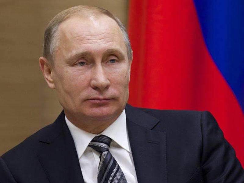 Vladimir Putin Çingiz Abdullayevi