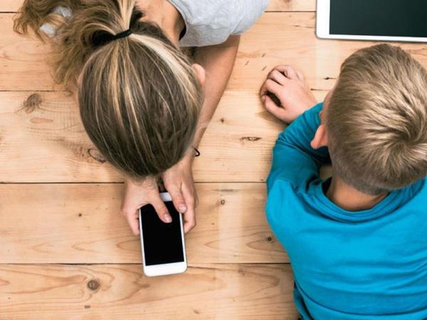 Kompüter, telefon, TV uşaqlarda görməni zəiflədir?