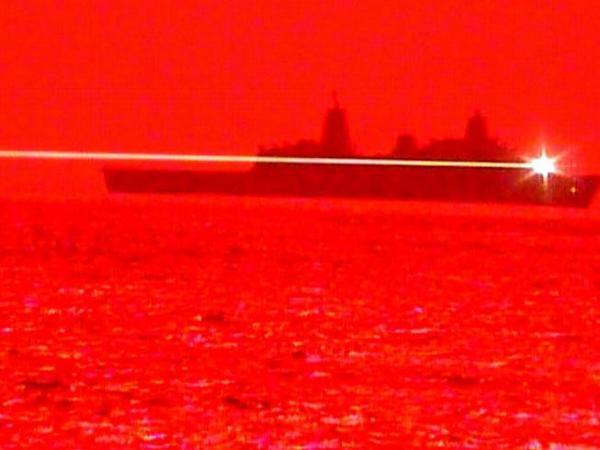 ABŞ-ın Hərbi Dəniz Qüvvələri lazer silahını sınaqdan keçiriblər - VİDEO