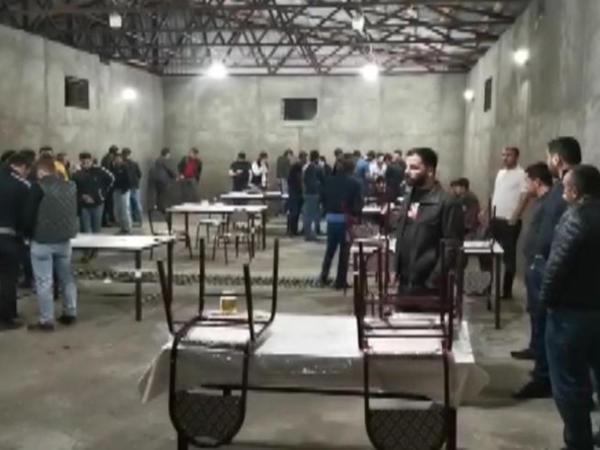 Bakıda bu restorana gedən 32 nəfər saxlanıldı - FOTO