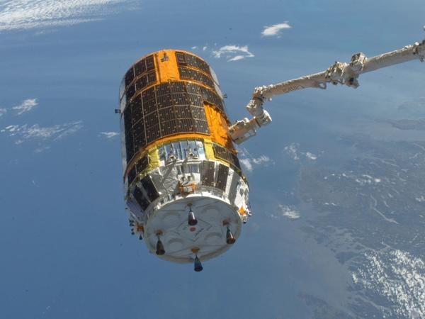 Yaponiyanın kosmik yük daşıyıcısı Beynəlxalq Kosmik Stansiyası ilə birləşib
