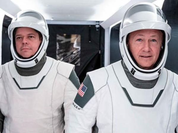 SpaceX tarix yazır: ilk özəl insanlı kosmik uçuşa sayılı günlər qalıb
