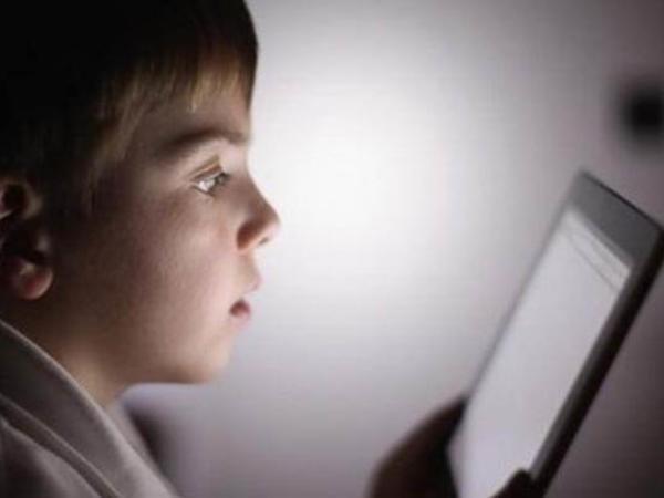 Telefonlar uşaqların əl motorikasını pozur
