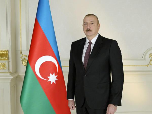 Prezident İlham Əliyevə Respublika Günü ilə bağlı təbriklər gəlməkdədir