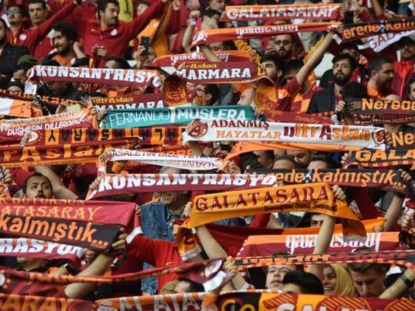 """Dünyanın ən sadiq futbol azarkeşlərinə malik klublarının <span class=""""color_red"""">SİYAHISI bəlli olub</span>"""