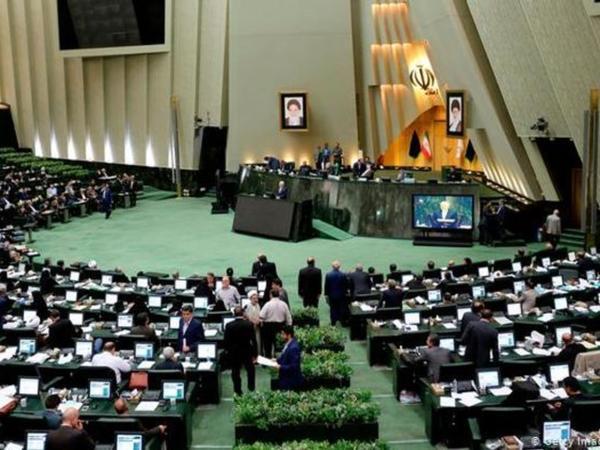 İranda sabiq mer parlamentin spikeri seçilib