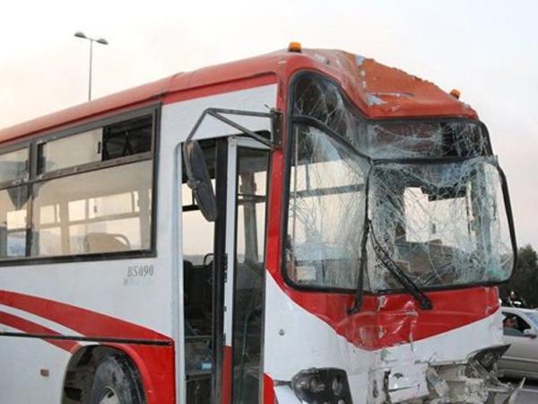 """Bakıda iki avtobus toqquşdu: <span class=""""color_red"""">Ölən var</span>"""