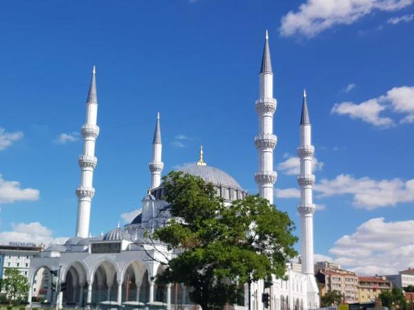 Türkiyədə şəhərlərarası dəmir yol nəqliyyatı bərpa edilib