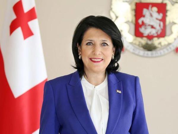 Salome Zurabişvili Respublika Günü münasibətilə Azərbaycan xalqını təbrik edib