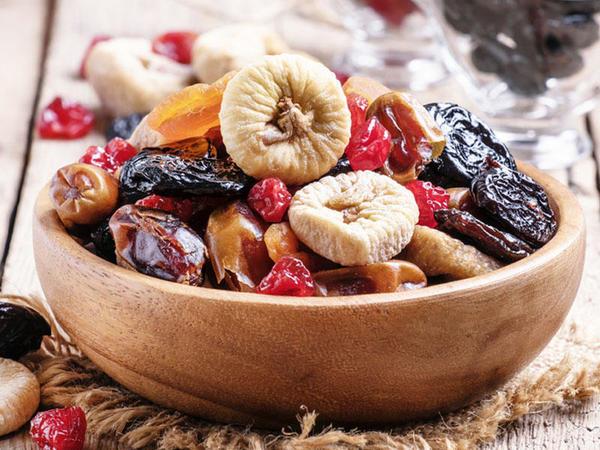Quru meyvələr Alzheimer riskini azaldır