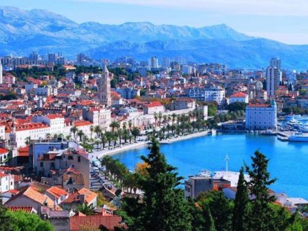 Xorvatiya AI-nin 10 ölkəsinin vətəndaşlarının ölkəyə girişinə qoyulan məhdudiyyətləri qaldırdı