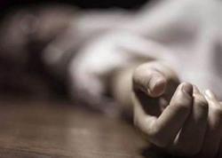Oğlu əlindən tutdu, arvadı ilə qızı isə boğub öldürdü