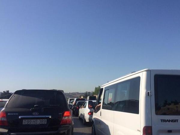 Bakı-Sumqayıt yolunda böyük tıxac yarandı - FOTO