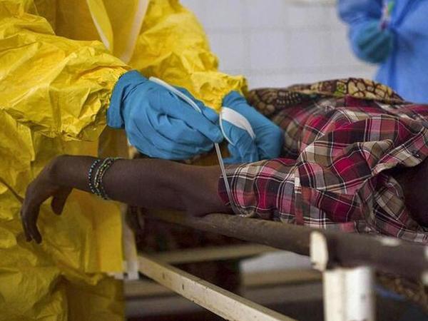 Ebola virusu geri döndü, 4 CAN ALDI
