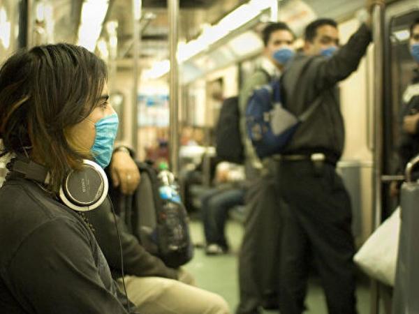 Mexiko metrosunun sərnişinlərindən koronavirusla mübarizə naminə susmaq xahiş olunub