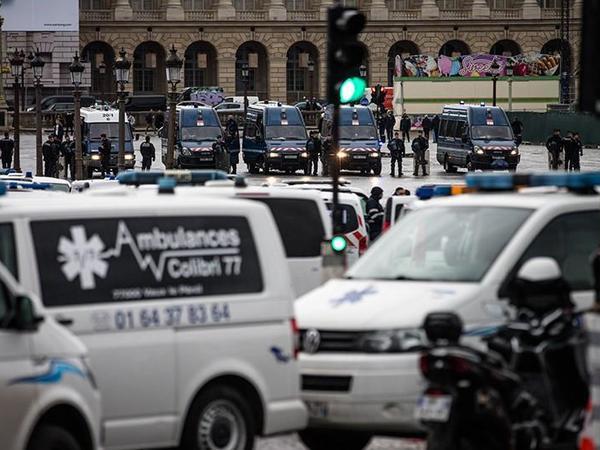 Parisdə polis tərəfindən zorakılığa qarşı etiraz aksiyası keçirilir