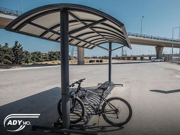 """Dəmir yolu stansiyalarında pulsuz velosiped dayanacaqları quraşdırılır - <span class=""""color_red"""">FOTO</span>"""