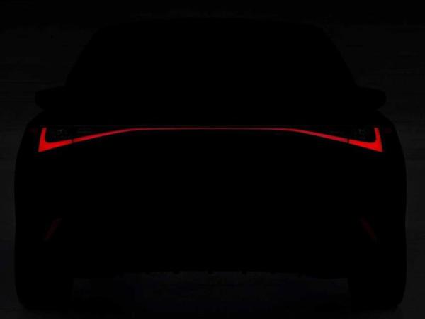 Yeni Lexus IS sedanının təqdimat tarixi açıqlanıb - FOTO