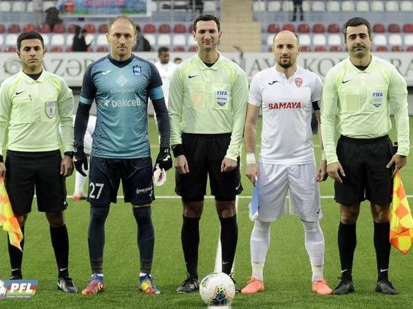 Azərbaycanda hakimlər oyuna tibbi maska ilə çıxacaq - TƏLİMATLAR