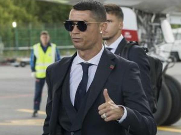 Ronaldo ilk milyarder futbolçu oldu