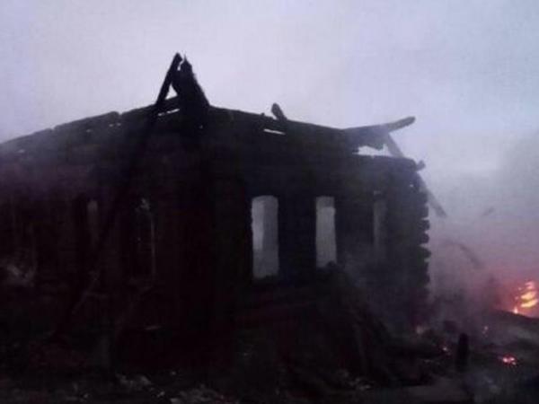 Rusiyada yaşayış evi yanıb: 4 nəfər ölüb