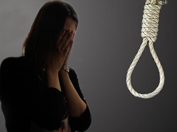 35 yaşlı qadın intihar etdi
